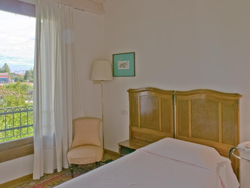 Esempio di camera singola con vista sulle colline vicentine